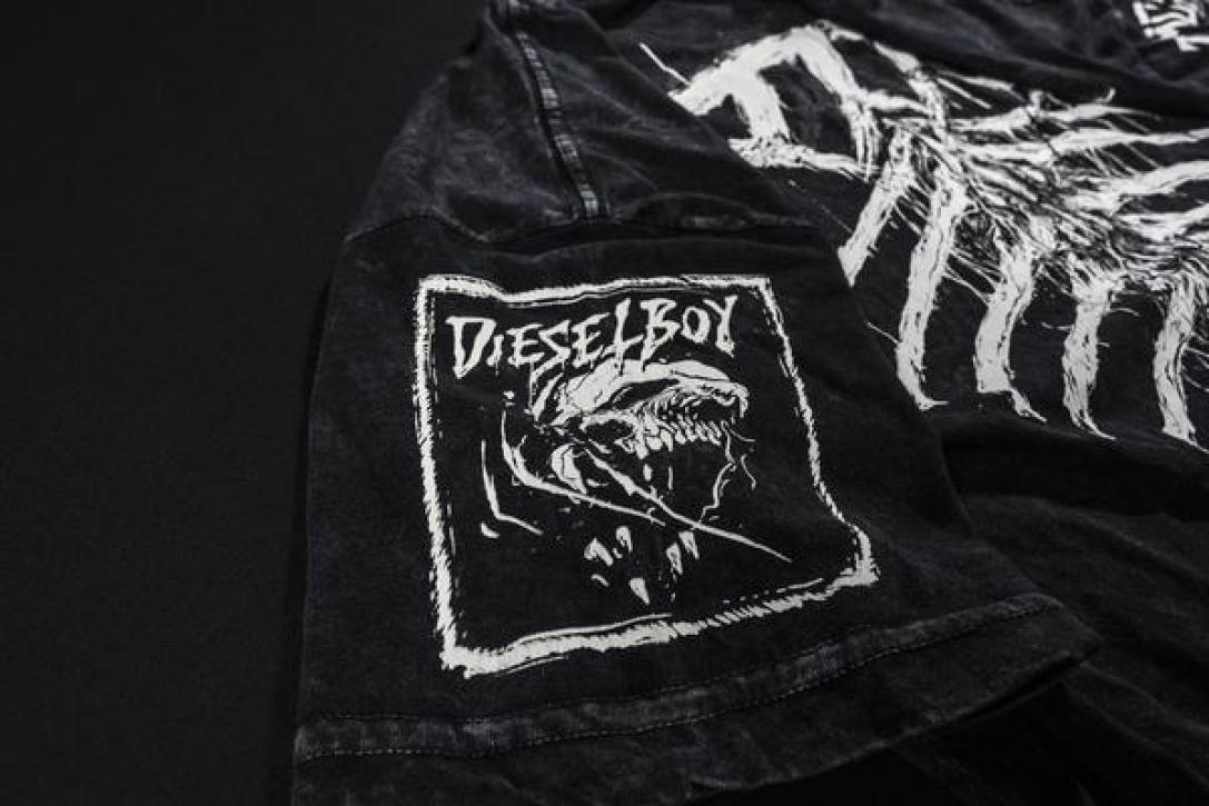dthwlvs_damascus_apparel_dieselboy_flat_lay_sleeve_dboy_grande