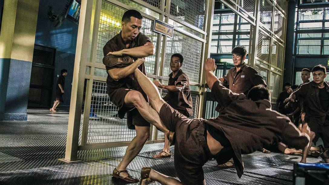 A shot from Kung Fu Killer depicting Donnie Yen beating up a gang of prisoners.