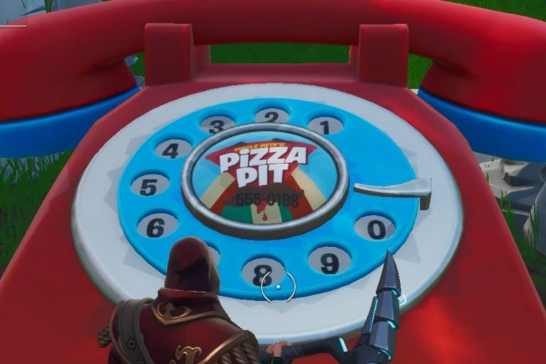Fortnite giant telephones