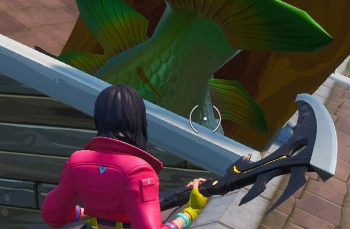 Fortnite Season 9 Challenges Visit An Oversized Phone