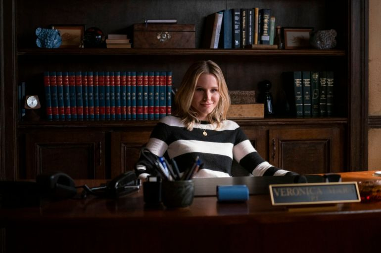 """Veronica Mars -- """"Spring Break Forever"""" - Episode 401 -- Panic spreads through Neptune when a bomb goes off during spring break. Veronica and Keith are hired by the wealthy family of one victim injured in the bombing to find out who is responsible. Veronica Mars (Kristen Bell), shown. (Photo by: Michael Desmond/Hulu)"""