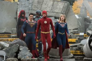 "Supergirl -- ""Crisis on Infinite Earths: Part One"" -- Image Number: SPG509c_0093r.jpg -- Pictured (L-R): Ruby Rose as Kate Kane/Batwoman, Tyler Hoechlin as Clark Kent/Superman, Brandon Routh as Ray Palmer/Atom, Grant Gustin as The Flash and Melissa Benoist as Kara/Supergirl -- Photo: Dean Buscher/The CW -- © 2019 The CW Network, LLC. All Rights Reserved."