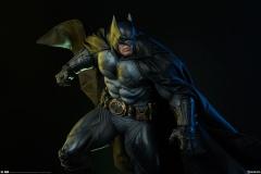 dc-comics-batman-premium-format-figure-sideshow-300542-03 (1)
