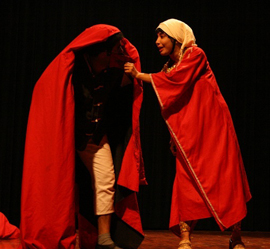 "Ebrahim Poshtkouhi's production ""Hey Macbeth, Only the First Dog Knows Why It Is Barking"""