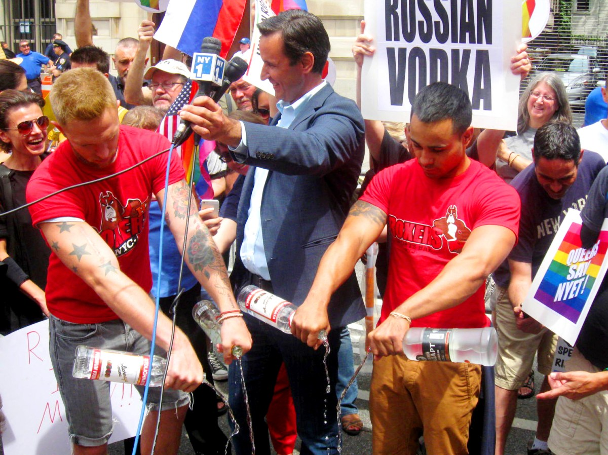 PRO VS. CON #DUMPSTOLI | How does the boycott of a Latvian vodka change Putin's anti-gay laws and save lives of Russian LGBT youth?