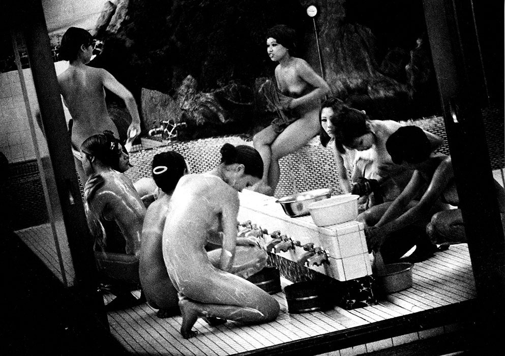 Tokyo's sex shops are a blurry, er, mesh in Daido Moriyama's pics