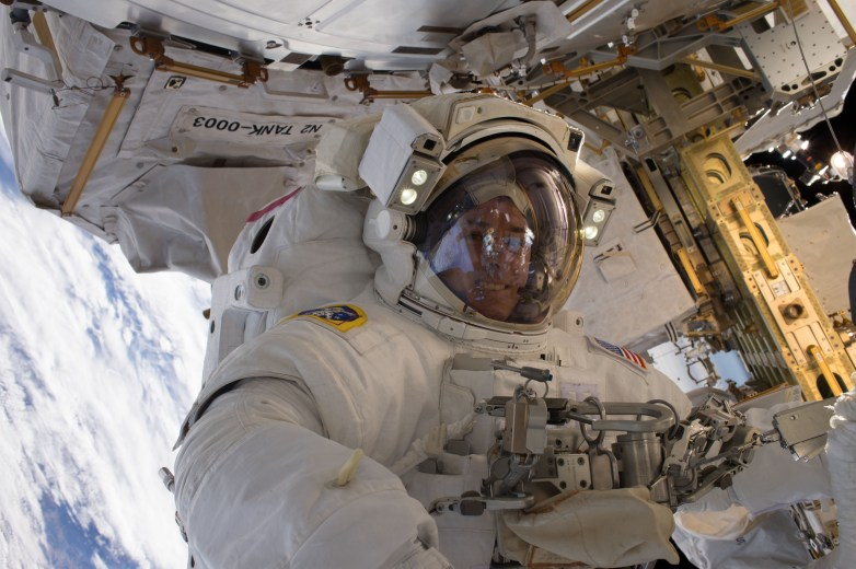 Jan. 13, 2017 — NASA astronaut Shane Kimbrough takes a space walk