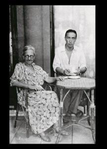 L'écrivain avec sa mère