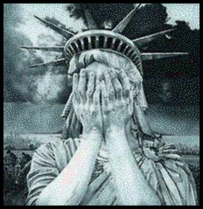stature-of-liberty-hands