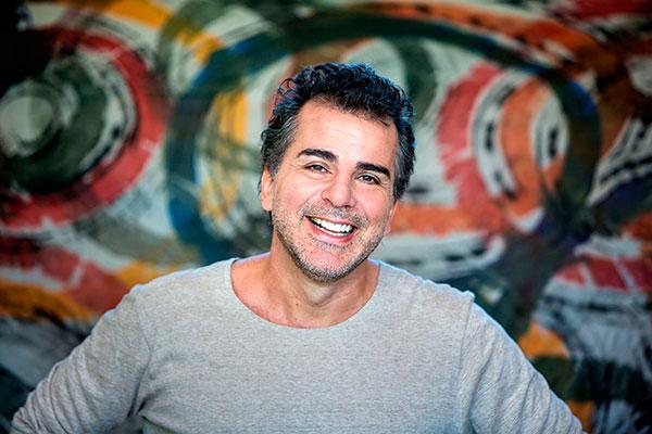 Antônio Villeroy faz show em Santa Cruz do Sul, Bento Gonçalves e Pelotas