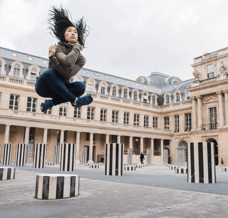 Yuujou finalist, Rosanna, jumps in the cities she travels to.