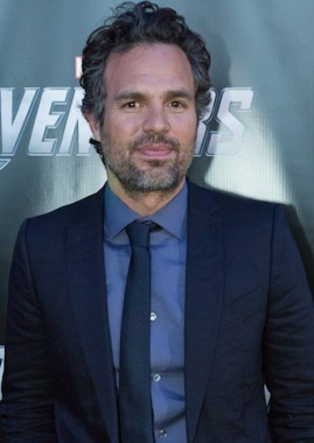 Mark Ruffalo in a dark suit at the Avengers primere