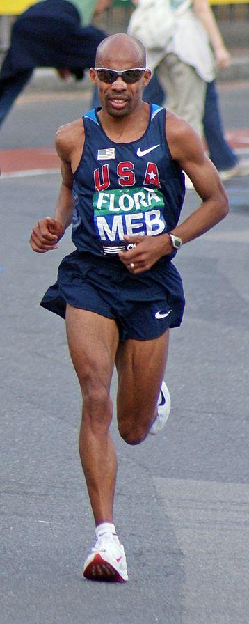 Image of Meb Keflezigi running in the 2009 London Marathon.