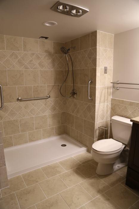 Bathroom, 2 Bedroom Apt