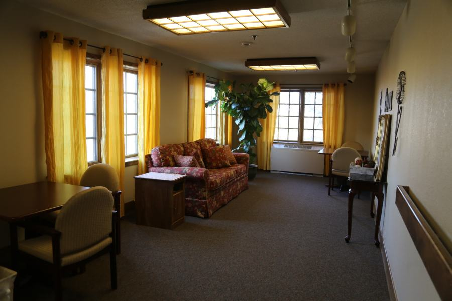One of several gathering, Visiting rooms