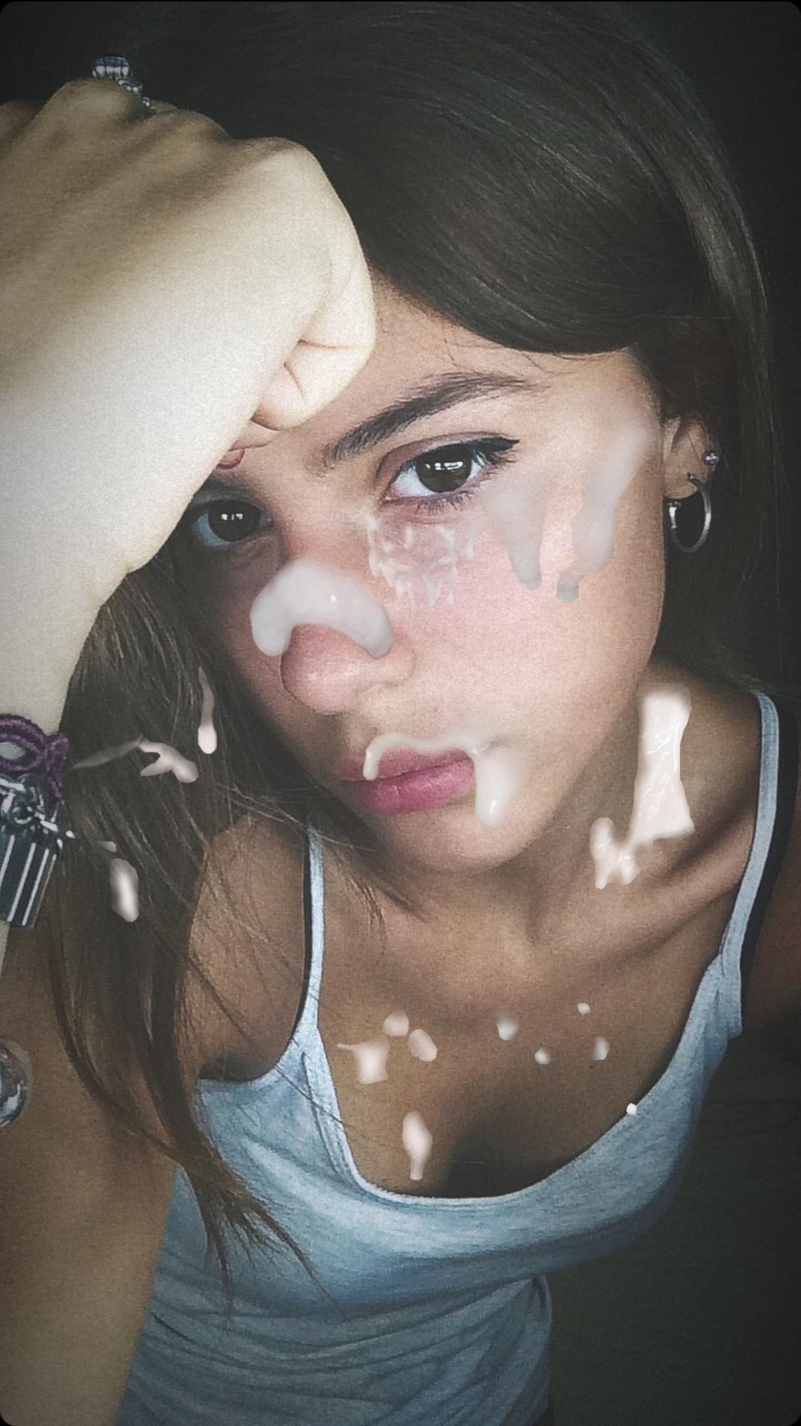 Beautiful Teen Wants Cum On Her Face