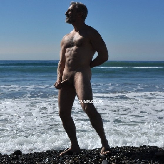 first-hung-daddy-hastings-nudist-beach-men-only