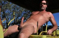 nude-working-dad-5