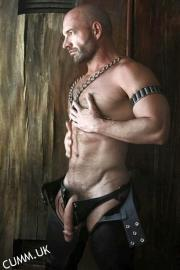 leather daddy hung hung