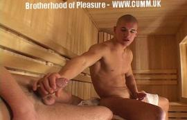 sauna-wanking-another-man