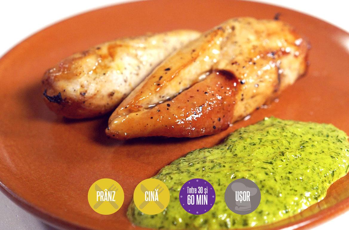 Piept de pui cu sos verde