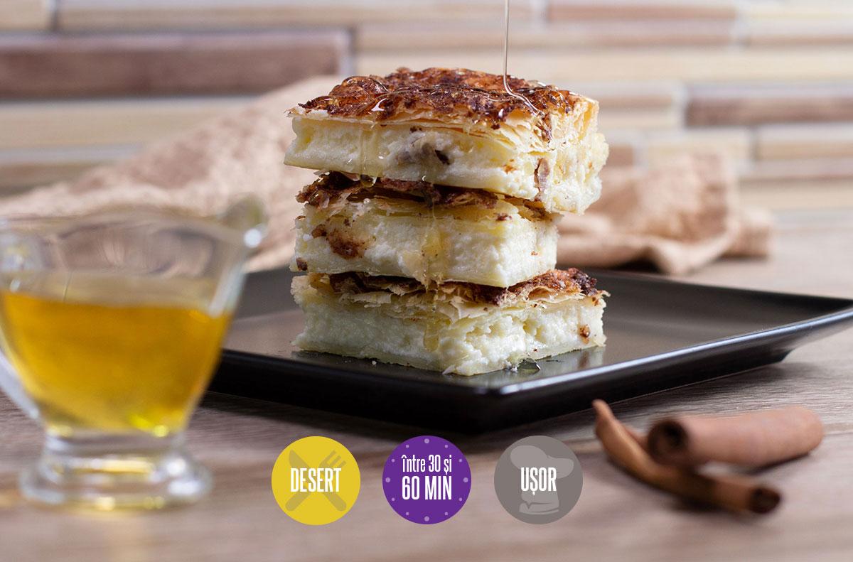 plăcintă cu cremă de brânză și scorțișoară