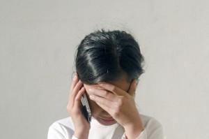 辛い悩み電話女性