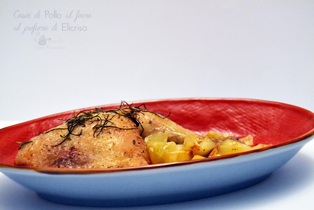 Cosce di Pollo con Patate al forno al profumo di Elicriso