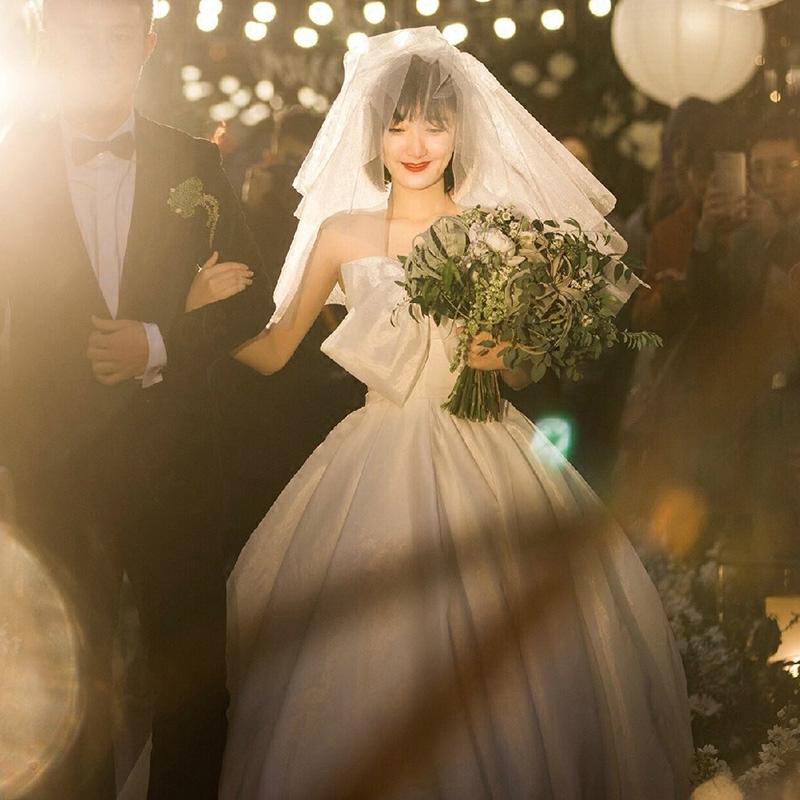 váy cưới cho bà bầu