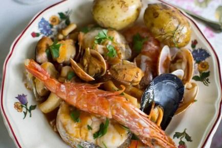 Cacciucco, receta de Livorno (Italia)