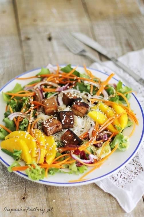 salatka z mango i tofu
