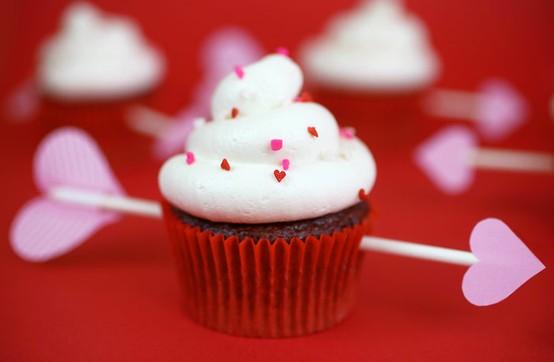 valentines-day-red-velvet-cupcakes