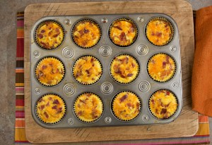 2012-10-25-bacon-breakfast-cupcakes-6-580
