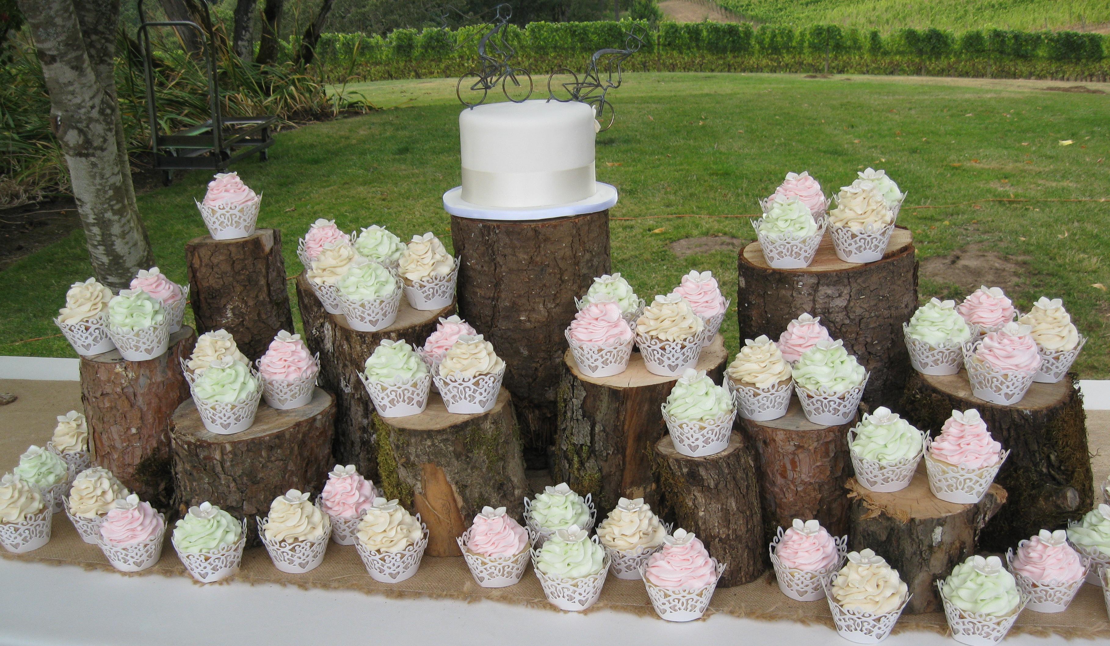 Wedding Cupcakes: Calla Lily Cupcake Ideas