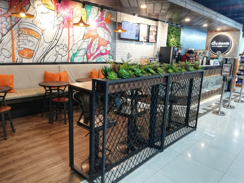 city blends cafe