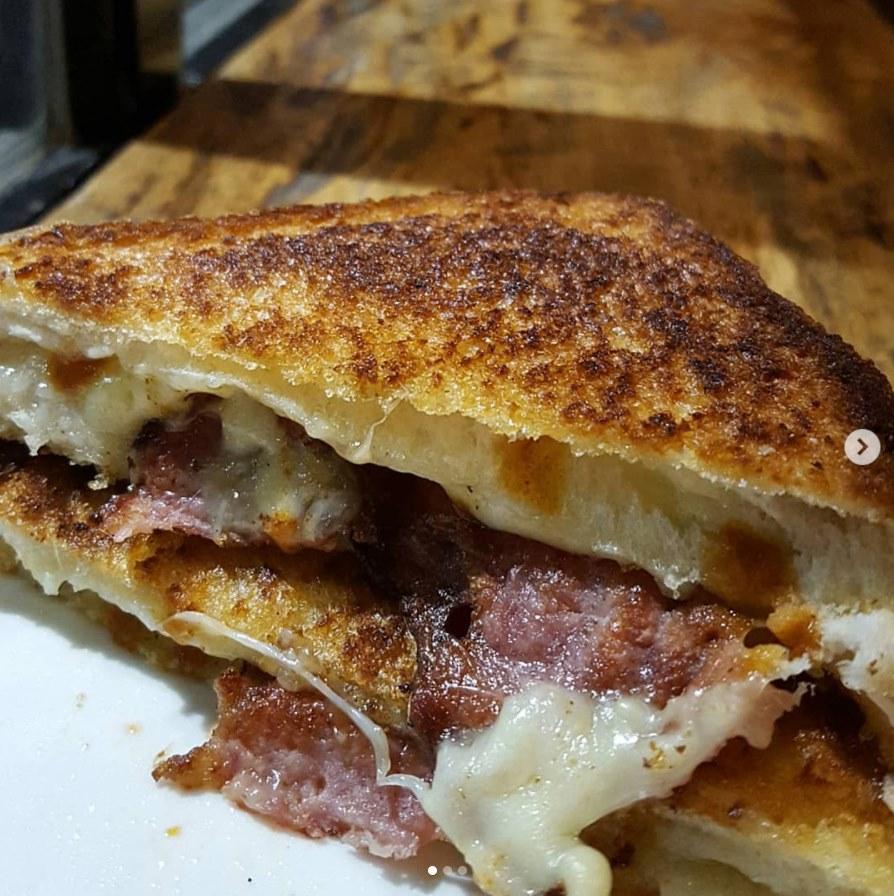 J and J Cafe Sandwich