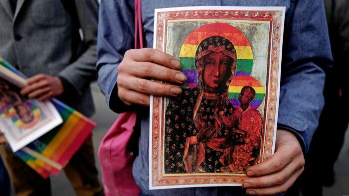 Polonia: rischiano il carcere per un'aureola arcobaleno