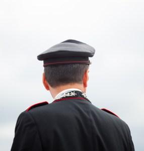 poliziotti-carabinieri-assembramento