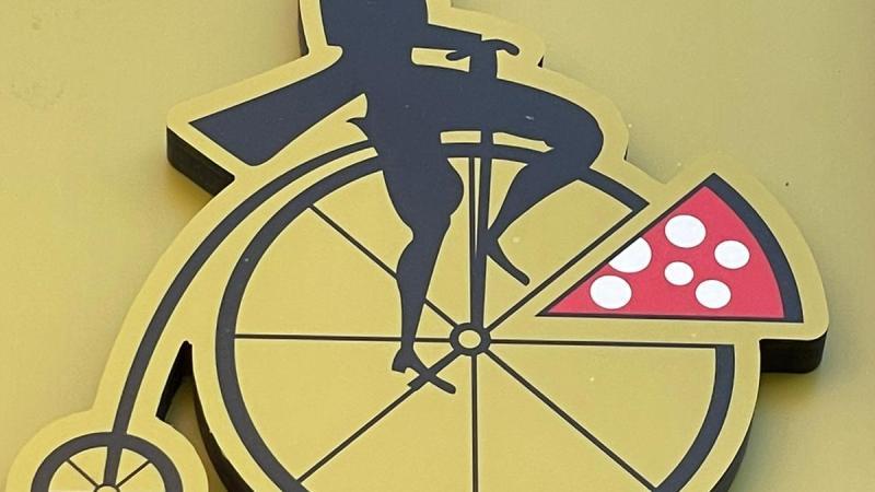 """Mr Go: la """"pizzeria"""" a Roma che sforna pizze in 3 minuti"""