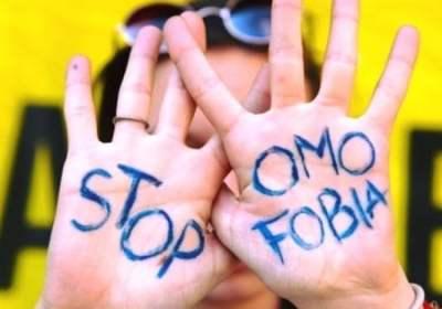Pride Milano: 12enne picchiato da alcuni omofobi mentre andava al Pride