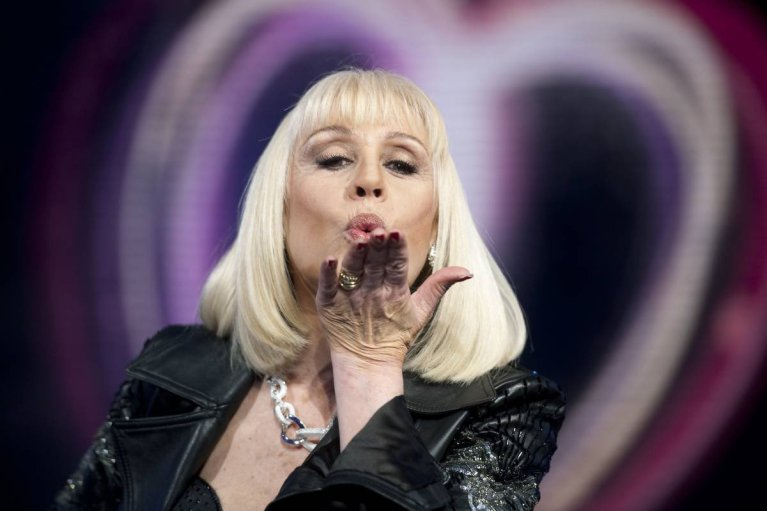 Raffaella Carrà: 10 canzoni per ricordarla con amore e rispetto