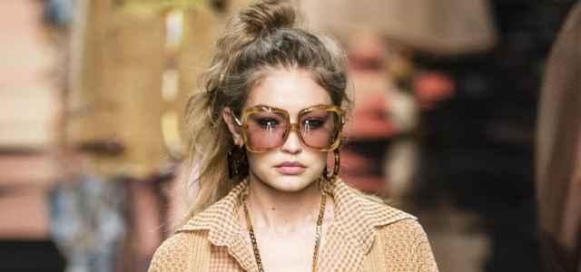 La moda dell'estate 2021 è quella degli anni '70: 5 mode che sono tornate