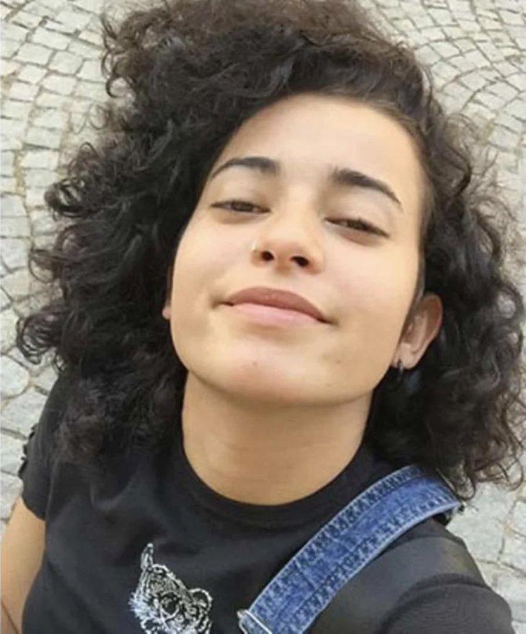Azra Gülendam Haytaoğlu, 21enne aspirante giornalista, trovata morta, il corpo è stato fatto a pezzi