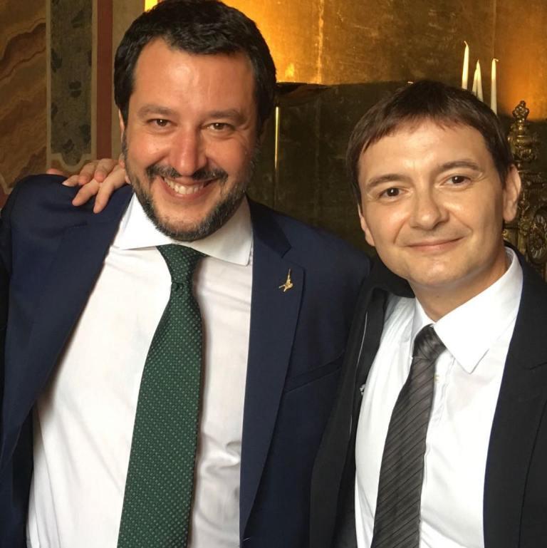 """Salvini pretende le scuse per il suo """"amico"""" Morisi, ma lui non ha mai chiesto scusa a Ilaria Cucchi o alle persone straniere"""