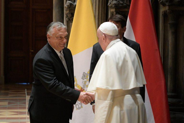 Il Vaticano stringe la mano a Salvini e Orbán