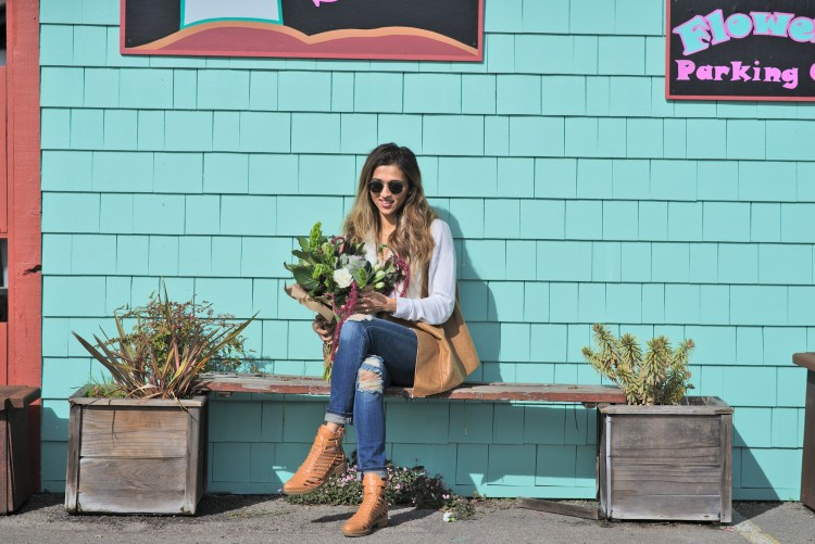 cuppajyo-sanfrancisco-fashion-lifestyle-blogger-flowers-brunch-santacruz-shearling-vest-feelthepiece-sweater-6