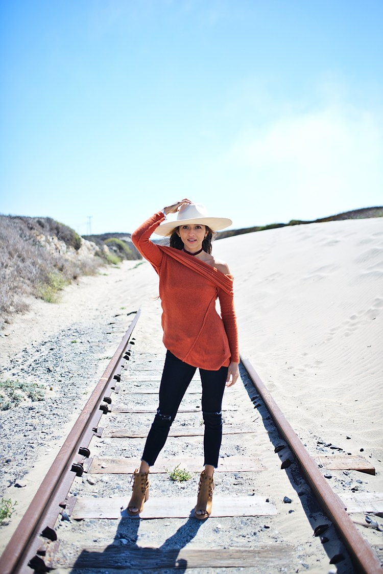 cuppajyo-styleblogger-fashion-lifestyle-travel-pinkarrowsboutique-freepeople-fallfashion-offtheshoulder-sweater-2