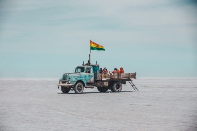 Uyuni Salt flats bolivia travel guide