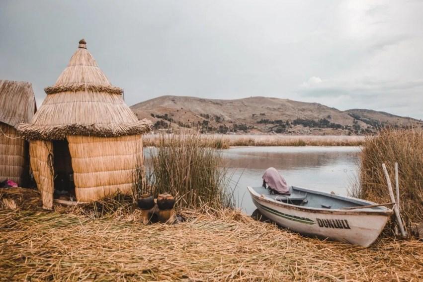puno peru los uros islas flotantes lake titicaca | backpacking peru travel tips | things to know before travel in Peru