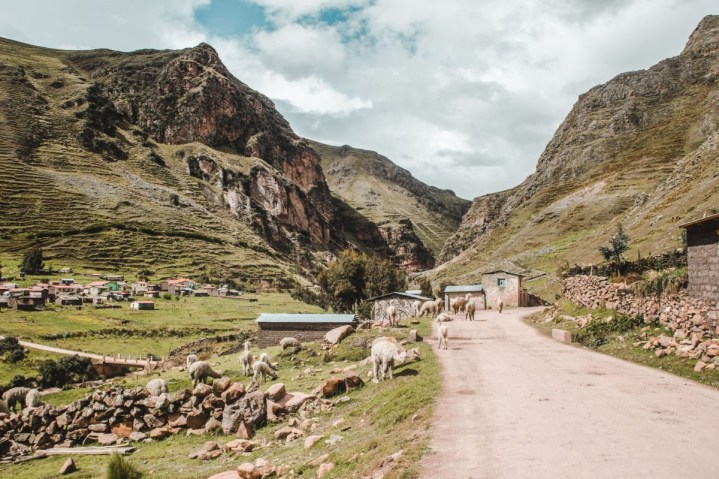 backpacking peru travel tips | things to know before travel in Peru